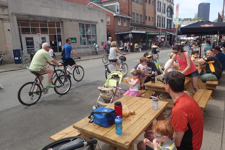 Great day for a picnic in the Strip. Photo by John Norton.