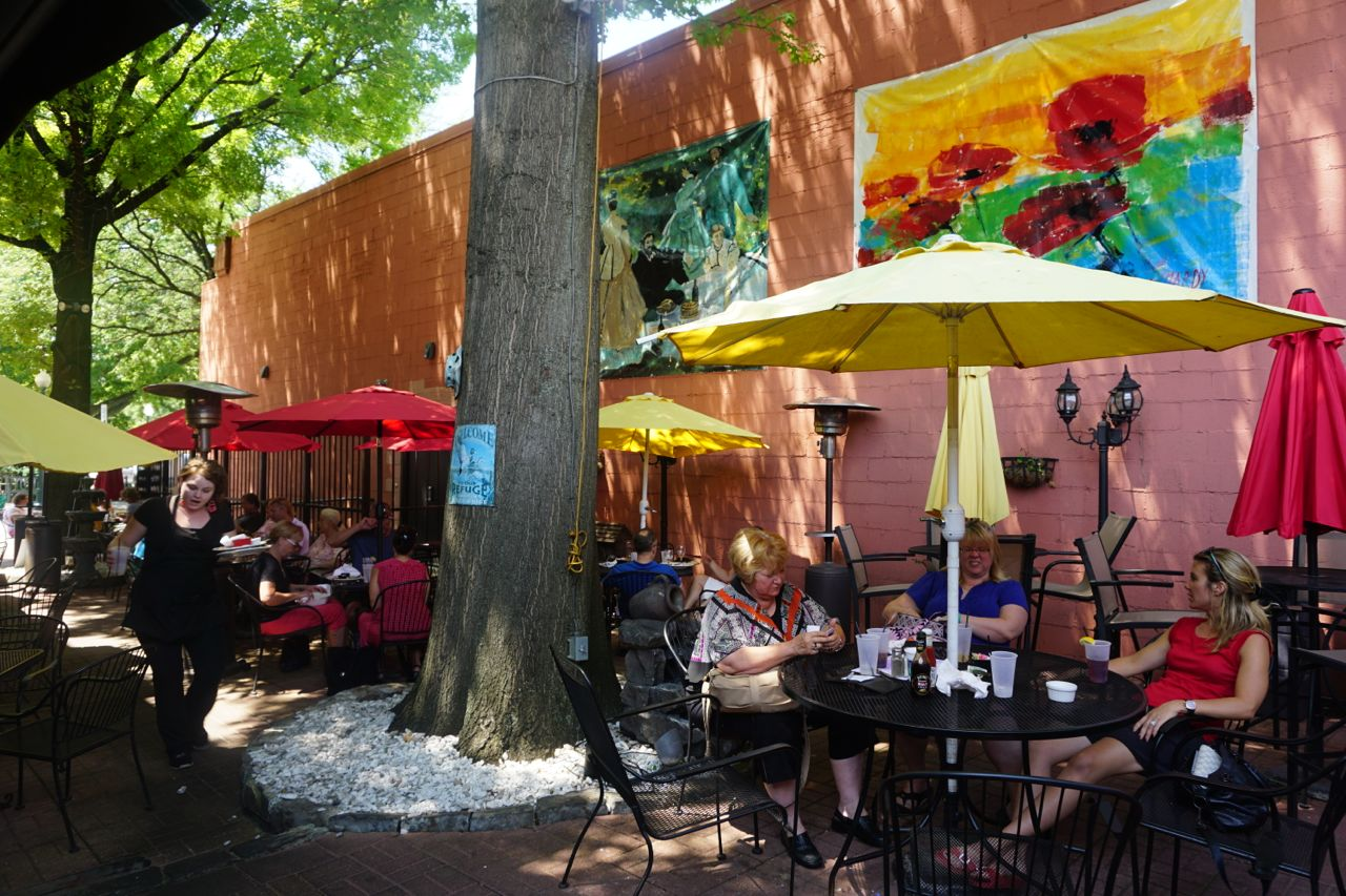 Outdoor dining at the Hotel Sewickley, a mainstay on the main street. Photo by Tracy Certo