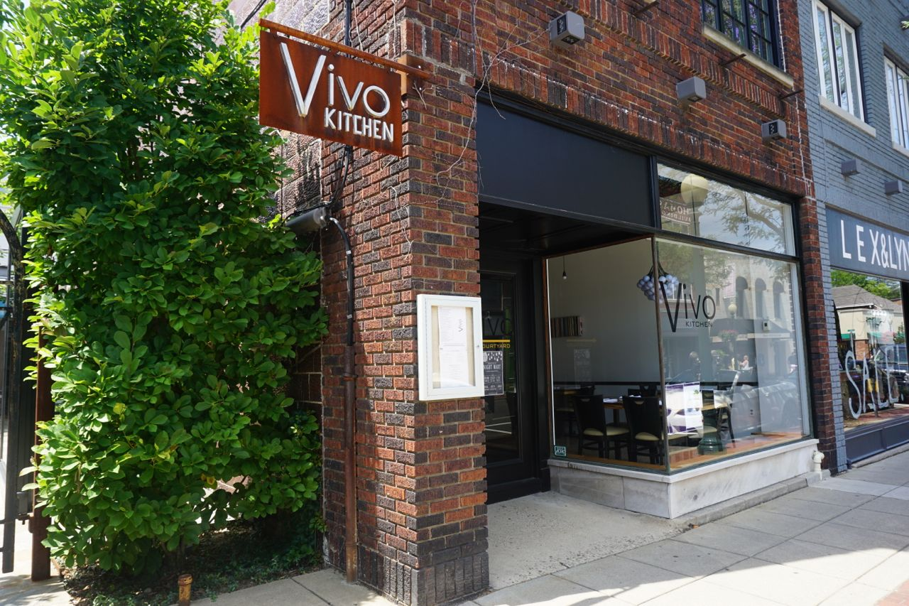 Vivo is one of many new storefronts on Beaver St. Photo by Tracy Certo
