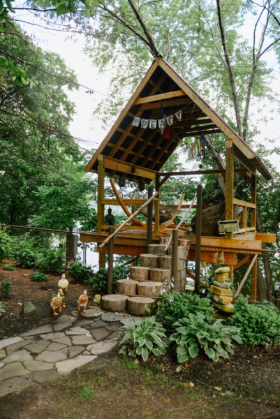 The treehouse meditation hut at Choderwood. Photo by Quelcy Kogel.
