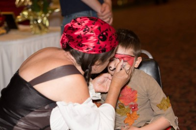Face painting at Pirates of the Mon. Photo courtesy Shawn Hopkins Photography.