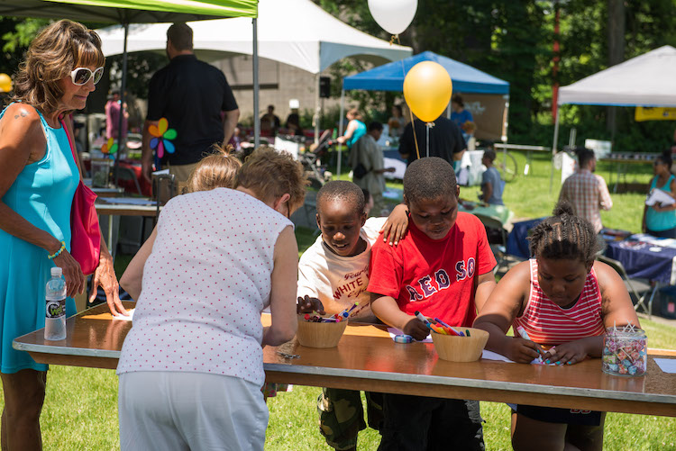 Crafts and games for kids at Grandview Park. Photo by Rob Larson.