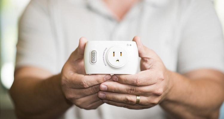 The smart plug from Boss Controls. Photo by Rob Larson.