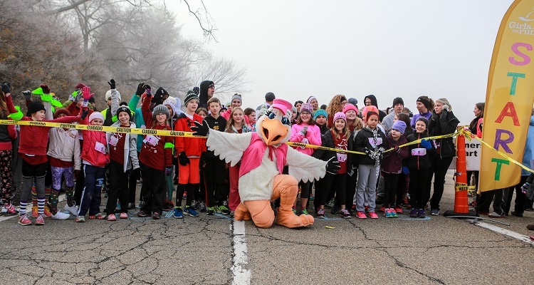 Starting line at the 2015 Girls on the Run fall 5K. Image courtesy of Girls on the Run.