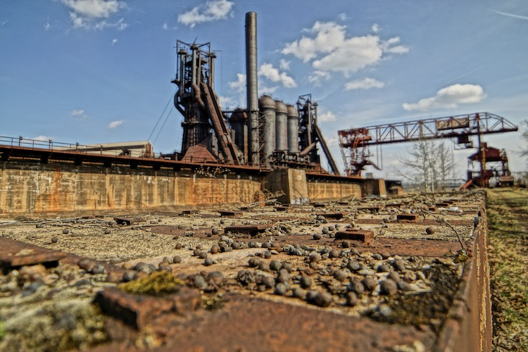 The historic Carrie Furnaces are the last relics of pre-World War II iron-making technology in this region. The site is open for tours from May through October. Photos courtesy of Ron Baraff, Rivers of Steel National Heritage Area.