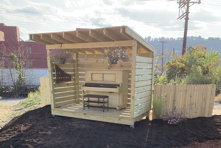 Braddock gets a public piano, renovated garden and more outdoor instruments. Check out the video.