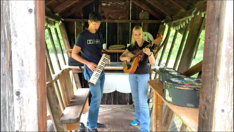 Music Night on Jupiter: Local couple opens their home to traveling bands for an out-of-this-world musical experience