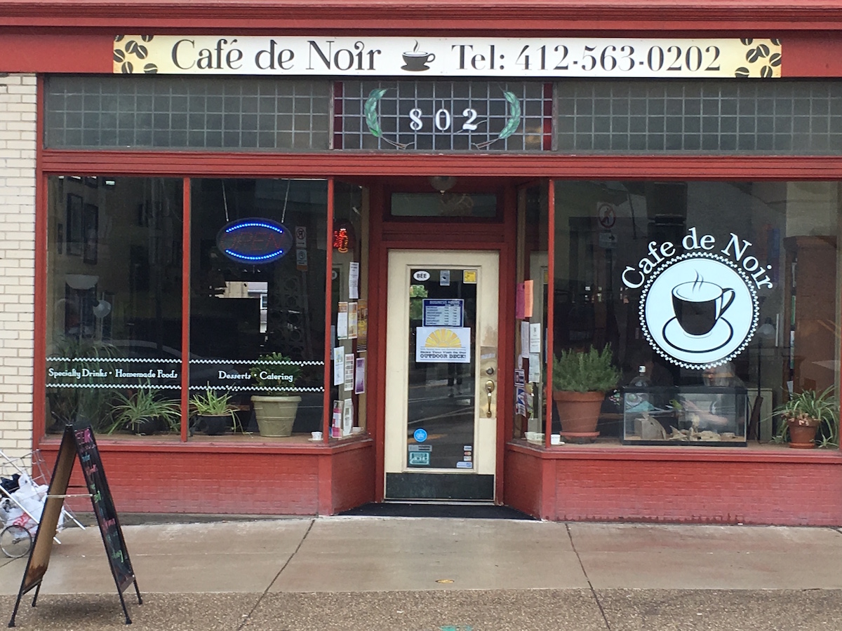 Café de Noir took over for Cannon Coffee on Brookline Blvd. Photo by TH Carlisle.