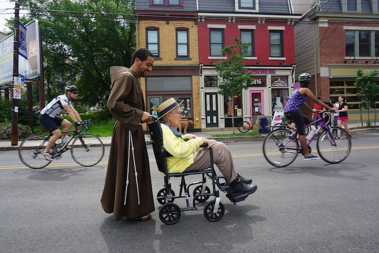 OpenStreetsPGH 2015. Photo by Tracy Certo.