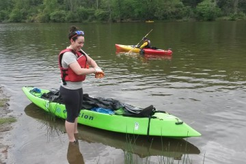 Venture Outdoors and Paddle Without Pollution cleanup paddle. Image courtesy of Venture Outdoors.