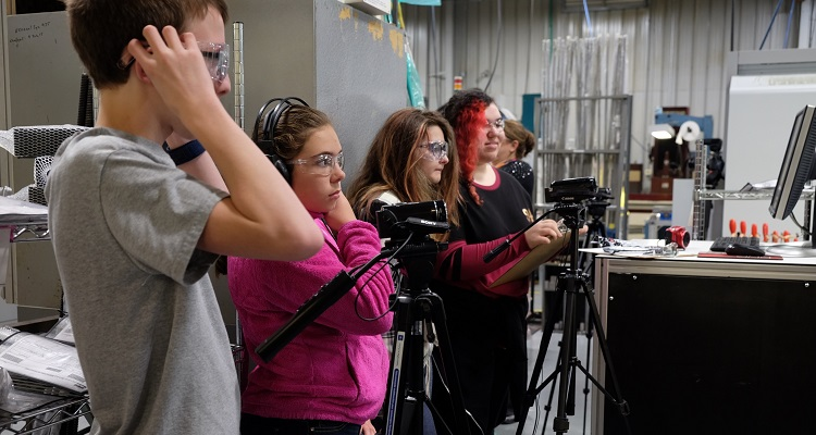 Students from Franklin Regional middle school shoot at Parker Hannifin. Photo by Scott Dietz.