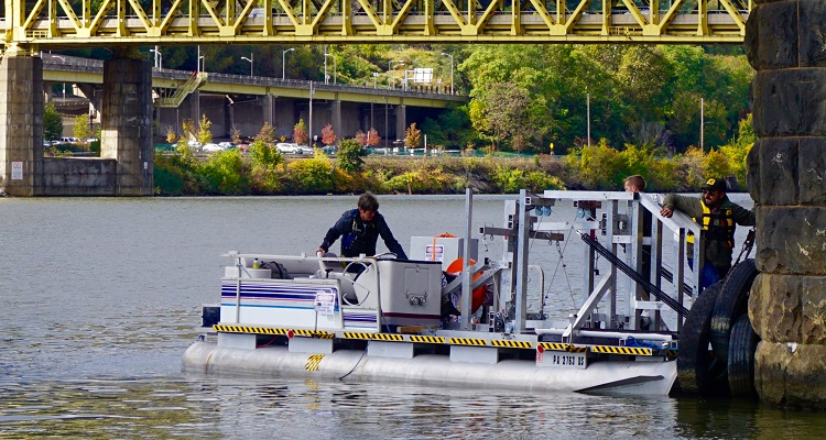 PGH Lab cohort Renergé deploys their Water Horse. Image courtesy of PGH Lab.
